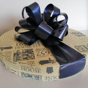 30 1657 Chocolate box